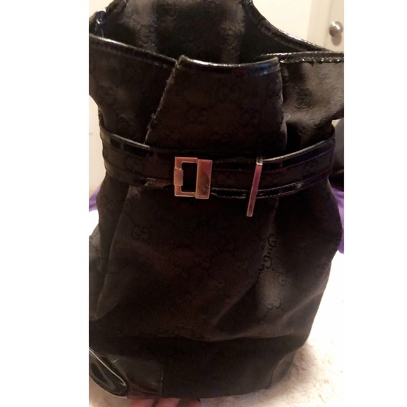 🖤Gucci Buckle front Black Canvas Bucket Sling🖤